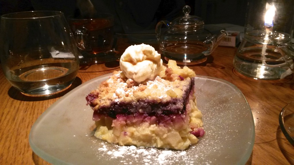 Apple and cranberry crumble, to die for
