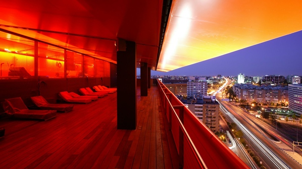 Madrid 39 s best rooftop bars round 3 naked madridnaked madrid for Hotel puerta de america