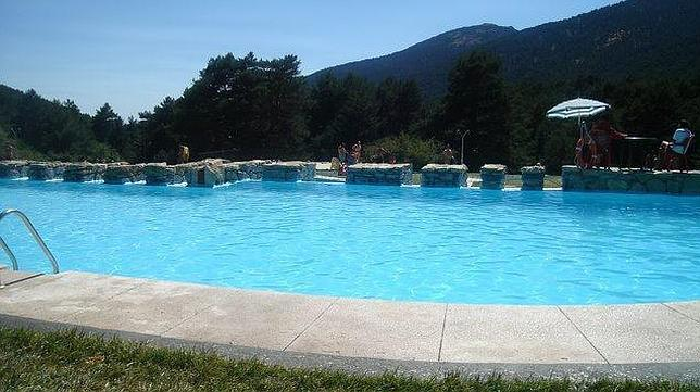 Best natural swimming pools in madrid my top three for Piscina natural cercedilla